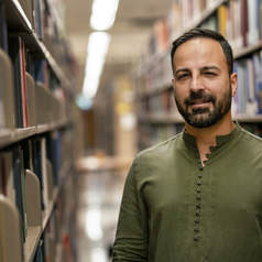 Headshot of Ahmad Qais Munhazim