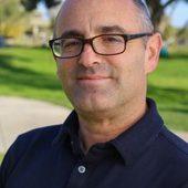 Phil Zuckerman Headshot