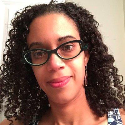 Johnisha Levi Headshot